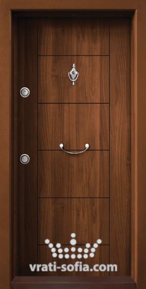 Входна блиндирана врата Т102, цвят Златен дъб