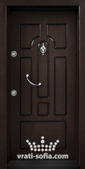 Блиндирана входна врата Т108, цвят Тъмен Орех