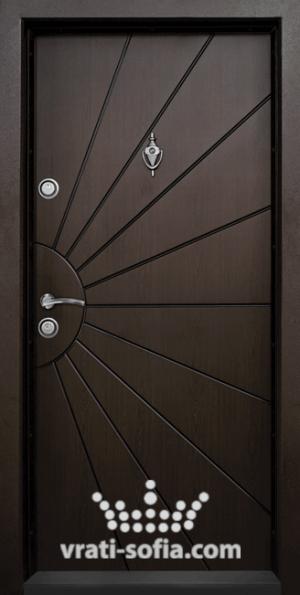 Входна блиндирана врата Т109, цвят Тъмен Орех