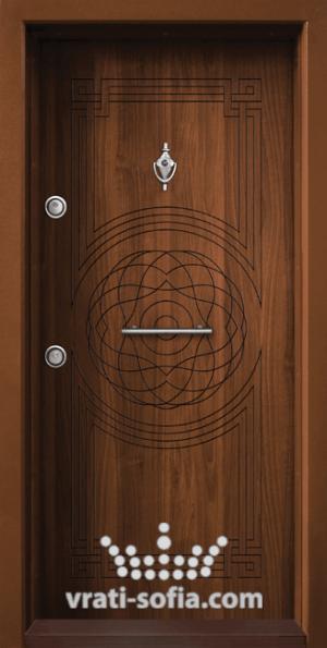 Блиндирана врата Т110, цвят Златен дъб