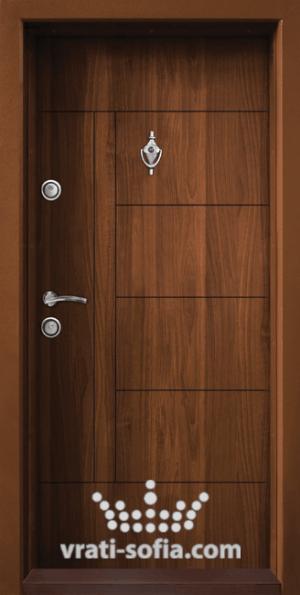 Блиндирана входна врата T 587, цвят Златен дъб