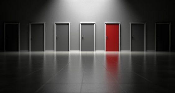 Предимства и недостатъци на блиндираните врати