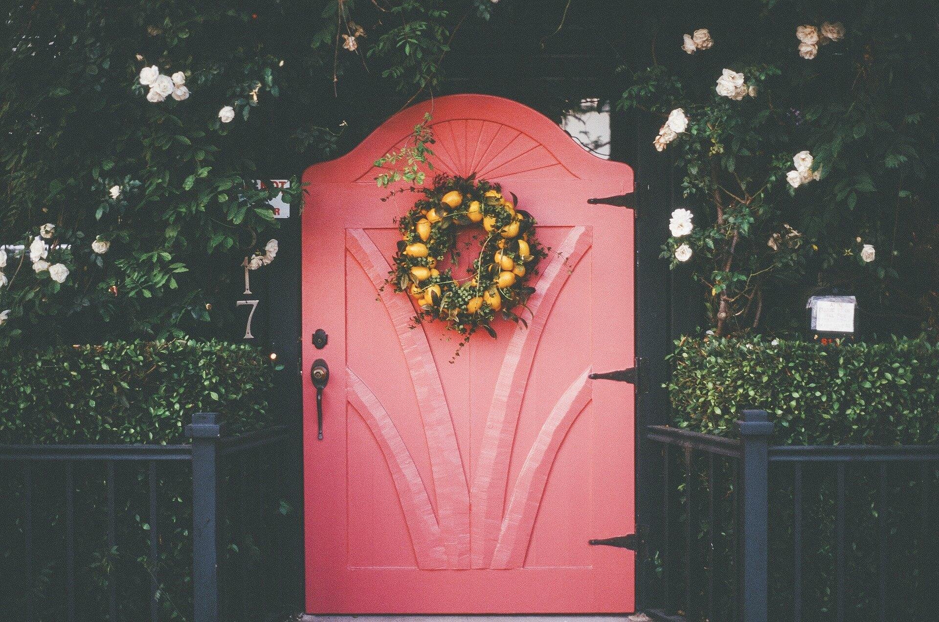 Украса за входни врати