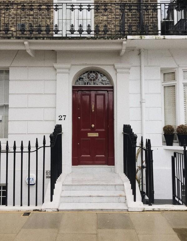 Кои са критериите, по които трябва да се водим преди да закупим блиндирана врата